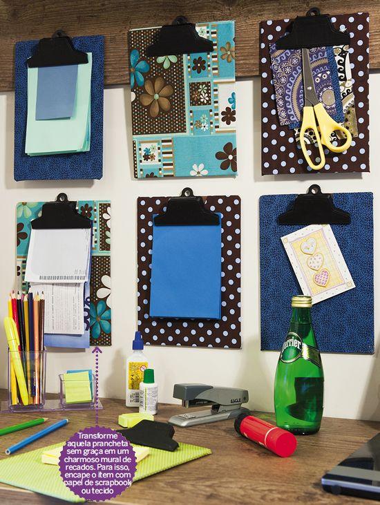 Decora o com pranchetas na parede a nova d cor inspira o for Como colocar papel mural