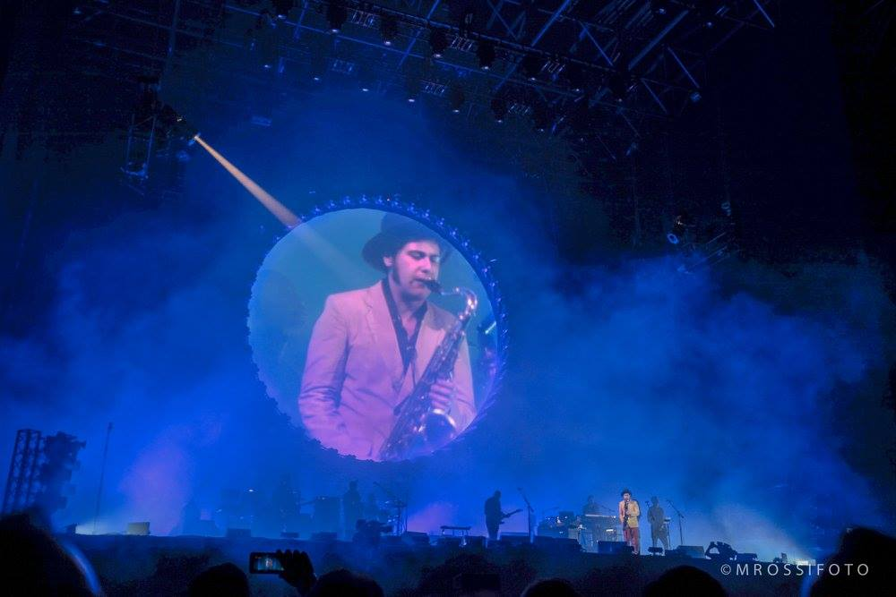 Quem também marcou presença no show do David Gilmour foi o Saxofonista brasileiro de apenas 20 anos, João de Macedo Mello. - Foto: Mercury Concerts