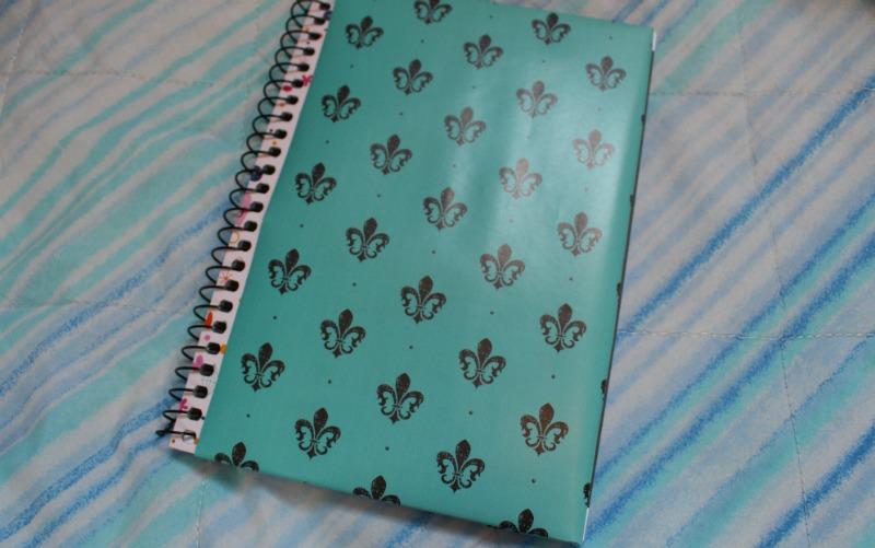 caderno com papel de presente Como personalizar caderno