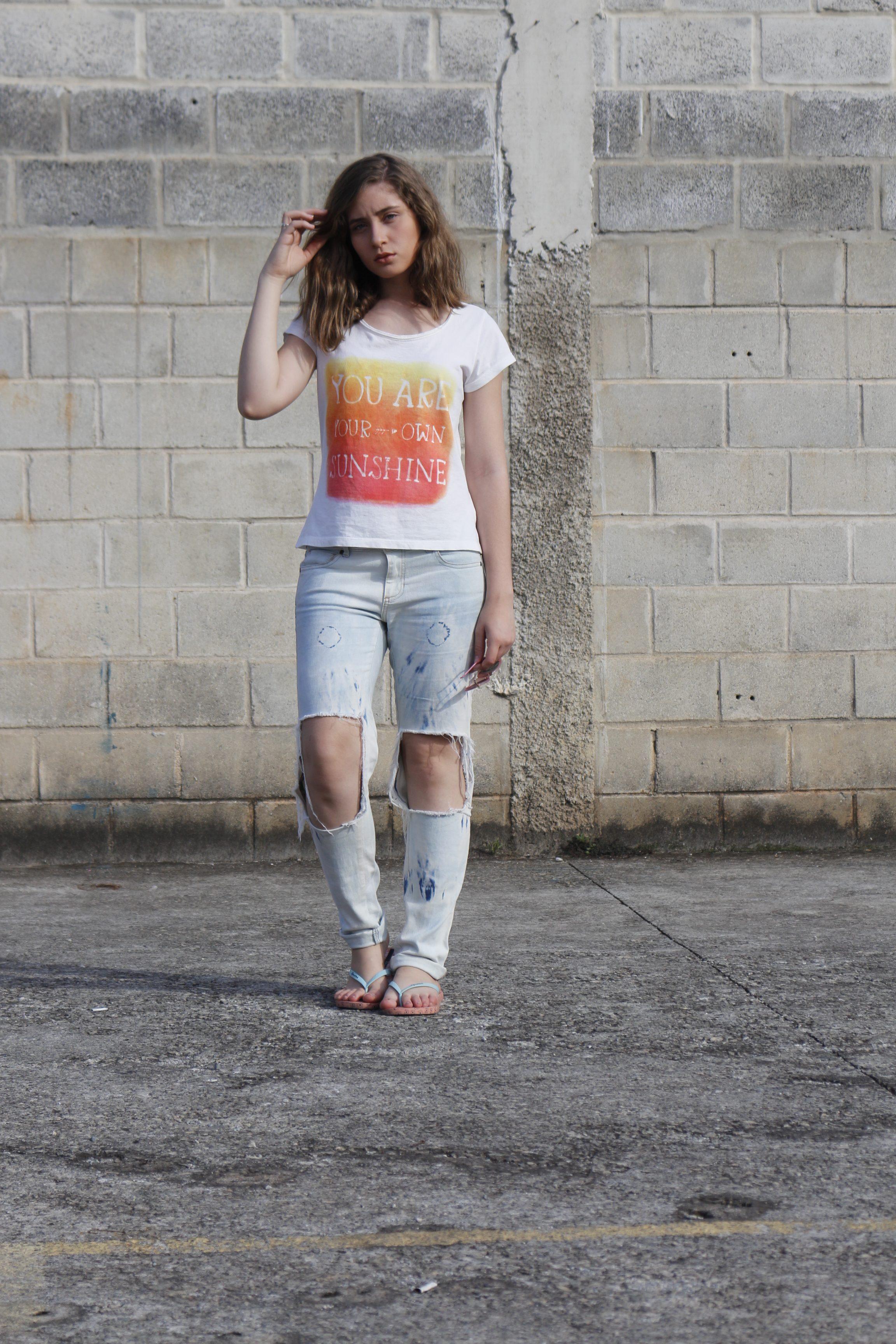 calça jeans destroyed aninha carvalho look do dia corpo todo