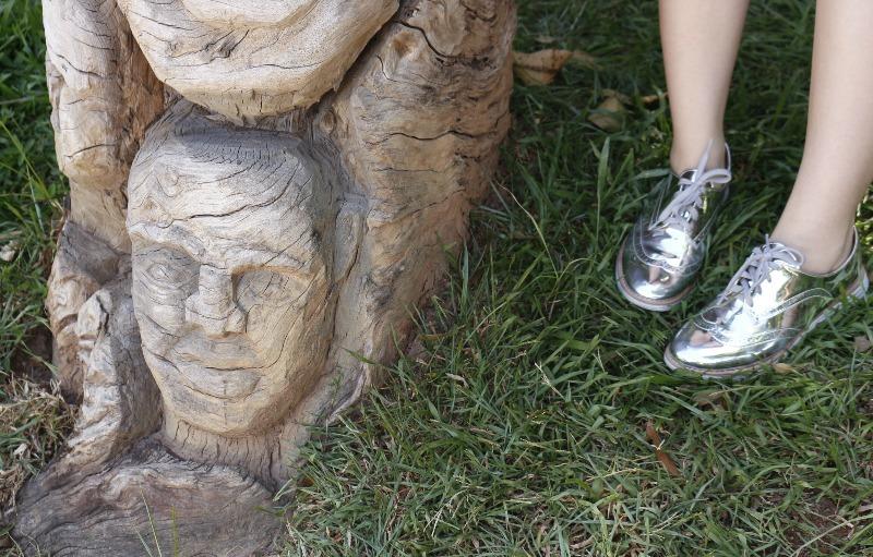 look do dia sapato metalizado