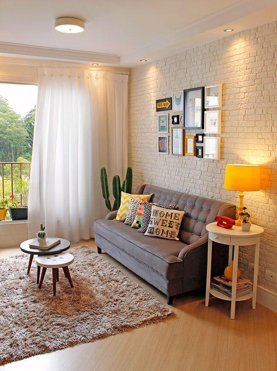 http://diariodaaninhacarvalho.com/wp-content/uploads/2017/04/dicas-de-decoração-para-sala-mesa-de-centro-duas