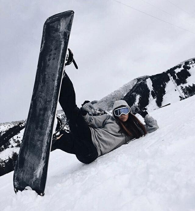 Fotos na neve esquiando