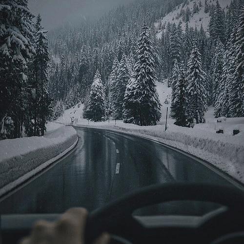 Foto na neve viagem de carro