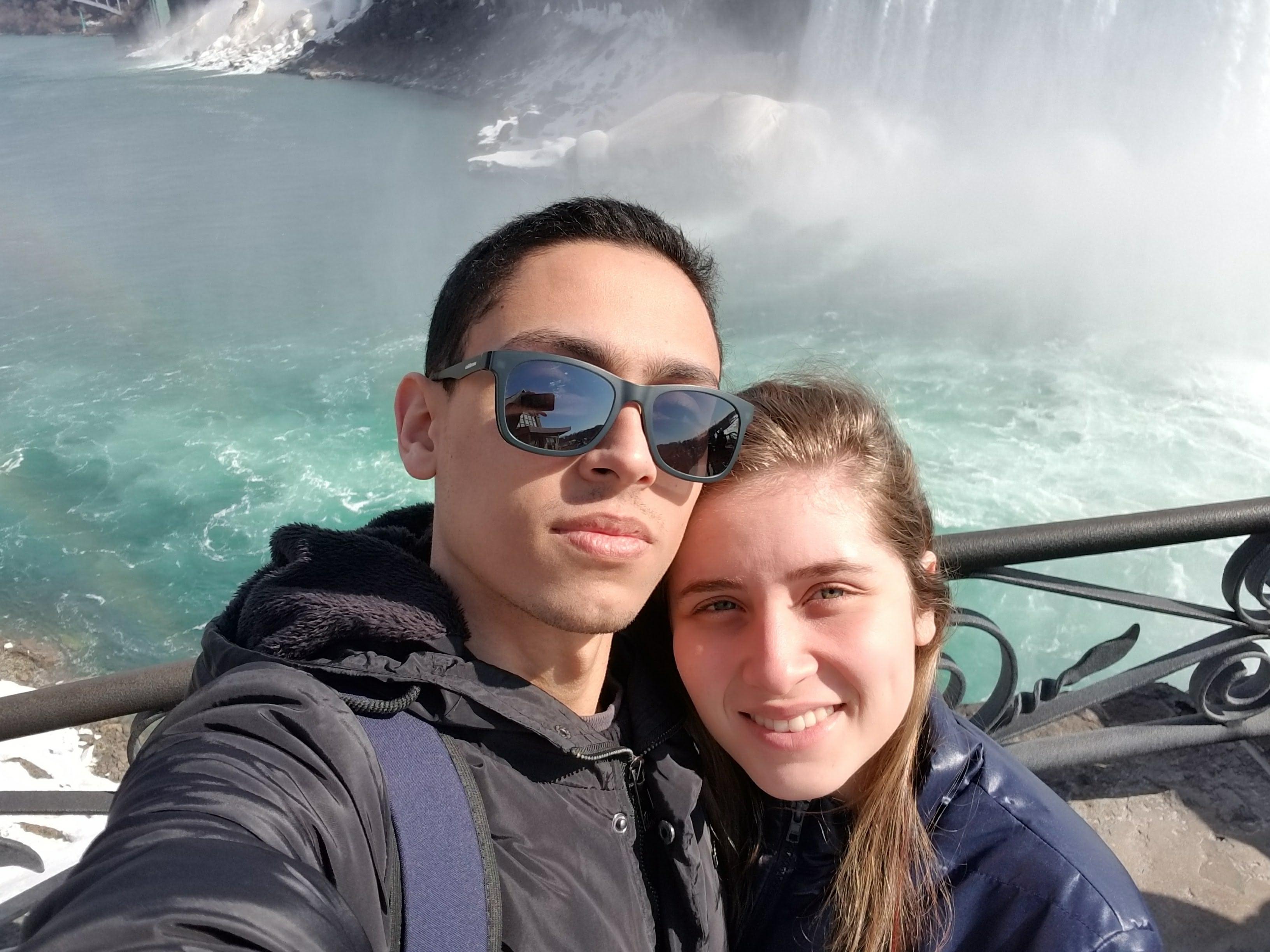 viagem para toronto casal niagara falls
