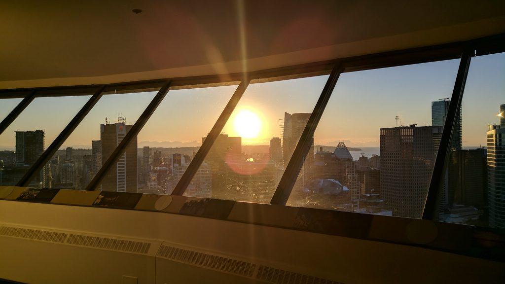 por do sol em vancouver lookout tower